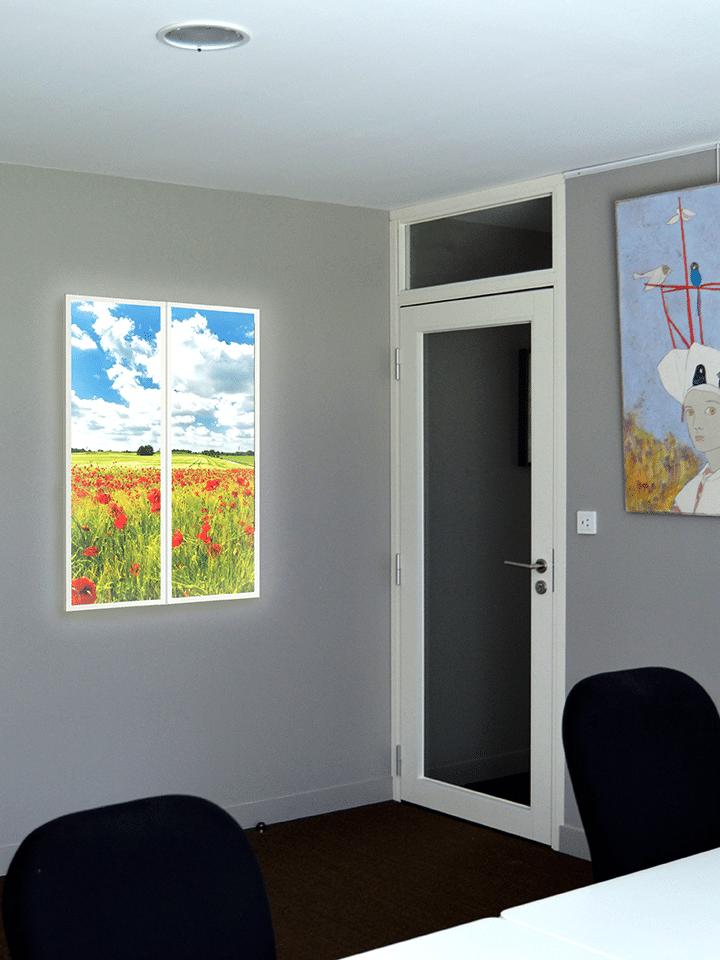 Tableau lumineux Happywall dans une salle de réunion